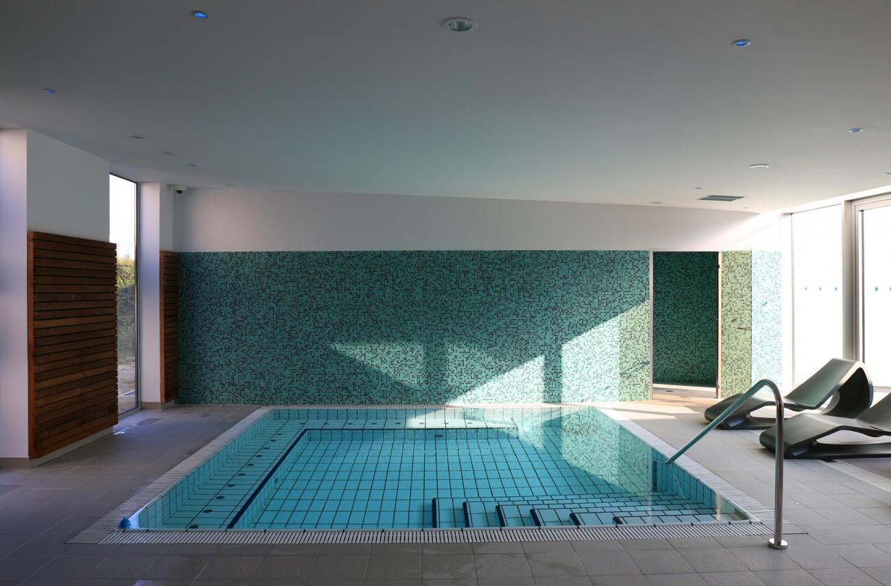 Bourgueil & Rouleau Architectes - Centre Aquatique Bulle D'o ... serapportantà Piscine Bulle D O Joué Les Tours