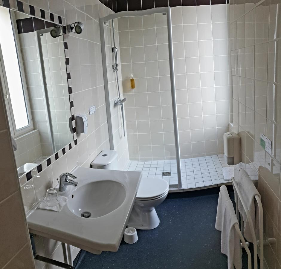 Brit Hotel Confort Auclair, Guéret, France - Booking pour Piscine De Gueret