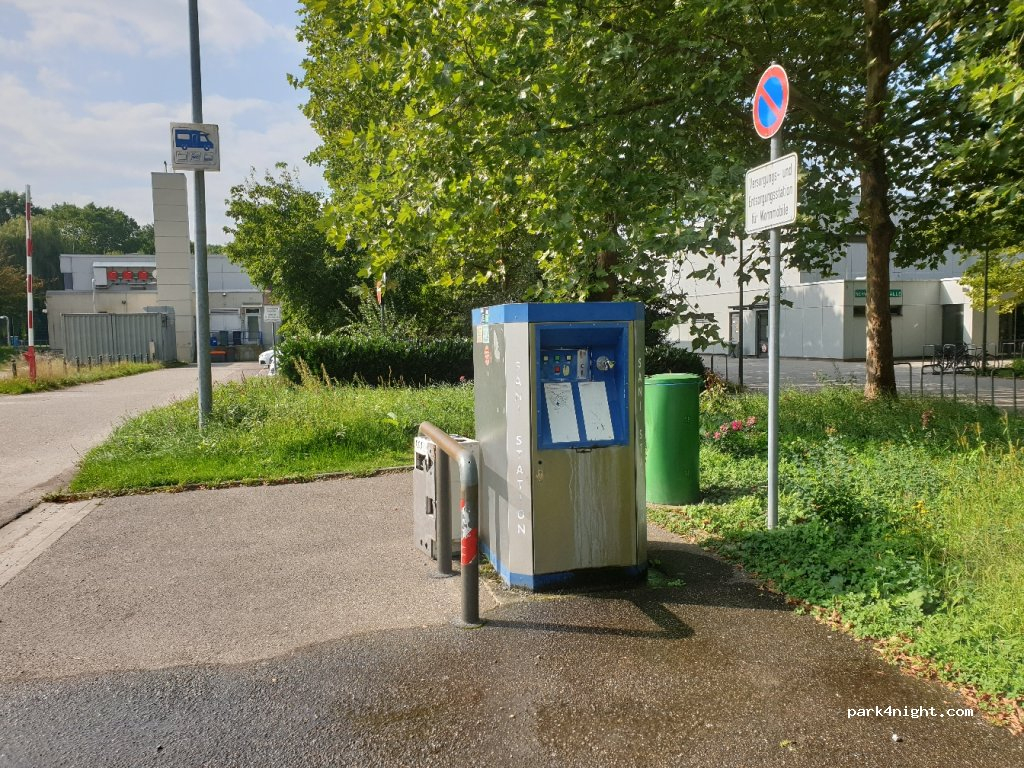 Bühl, 8 Ludwig-Jahn-Straße, Karlsruhe, Germany serapportantà Piscine Karlsruhe