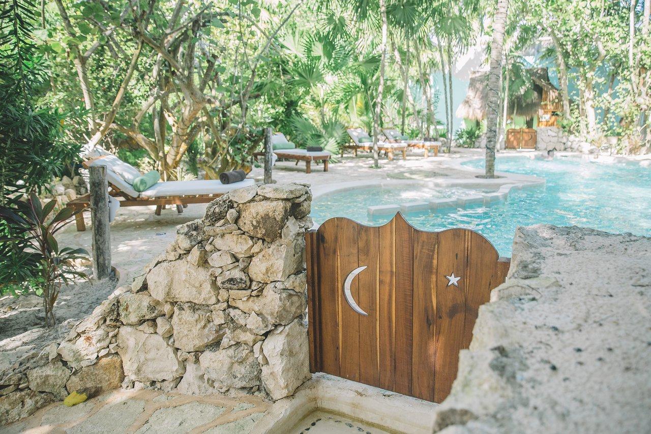 Cabanas La Luna Hotel (Tulum, Mexique) : Tarifs 2020 Mis À ... destiné Cash Piscine Bourg De Peage