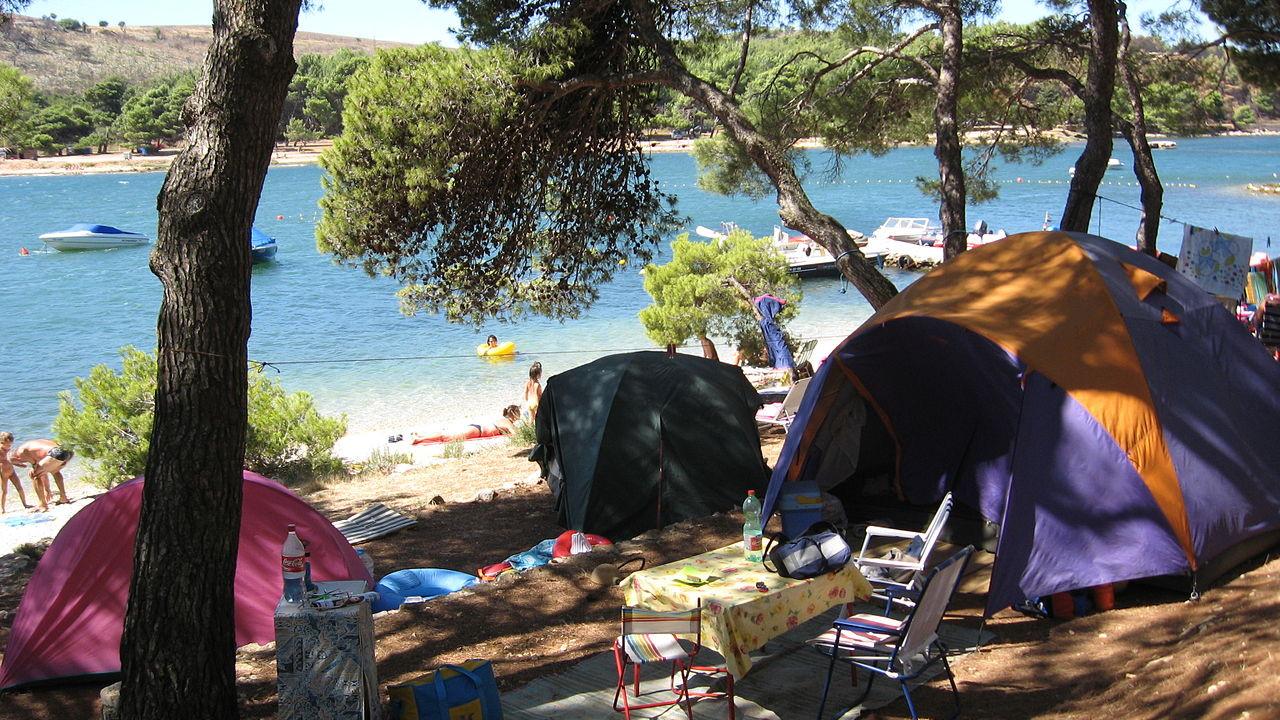Camp De Kerlan Damgan 56 Avis Carte Adresse Téléphone encequiconcerne Camping Damgan Avec Piscine