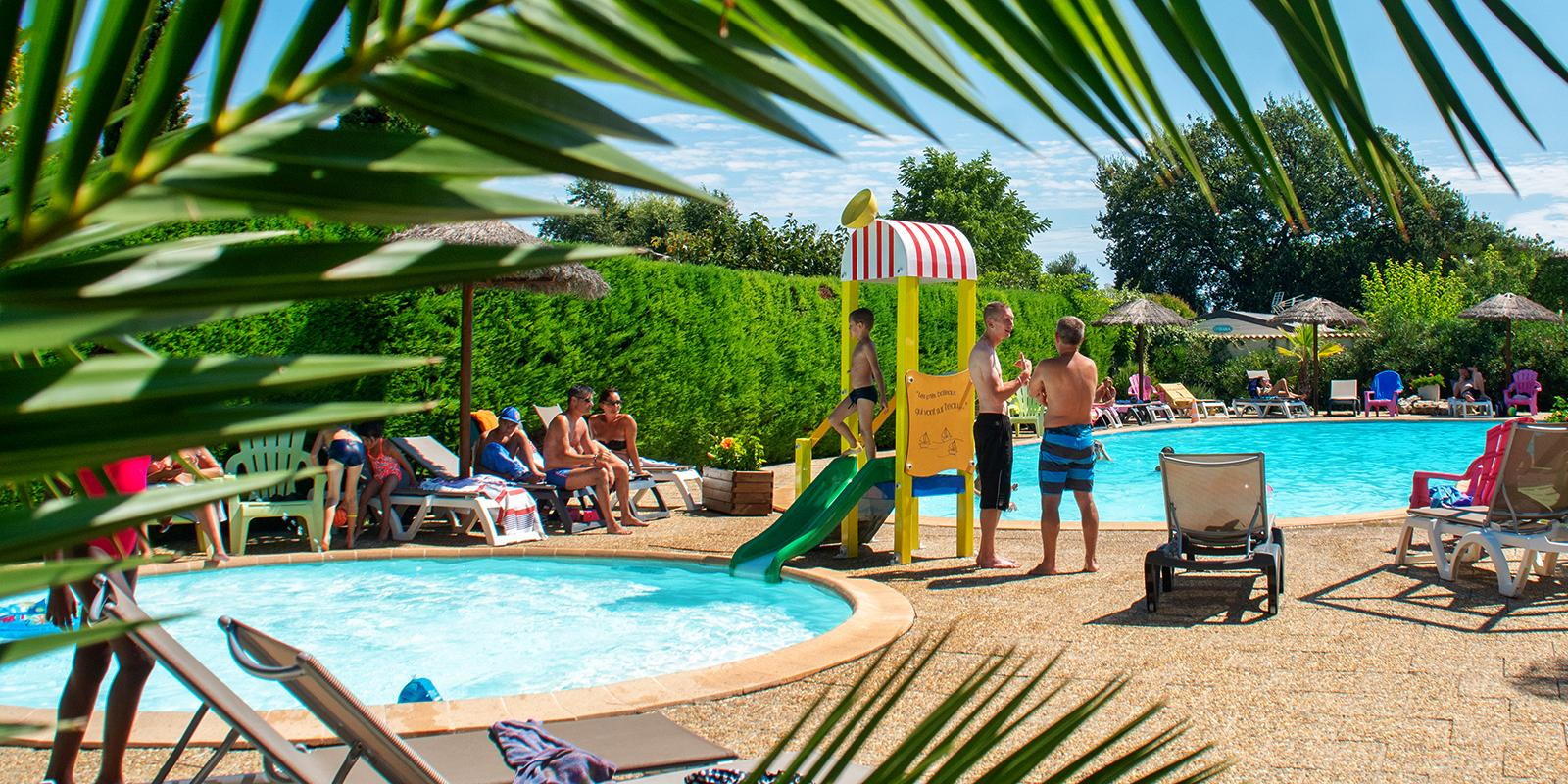 Camping 3 Étoiles À Six Fours Dans Le Var - Camping Orly D' Azur concernant Piscine D Orly