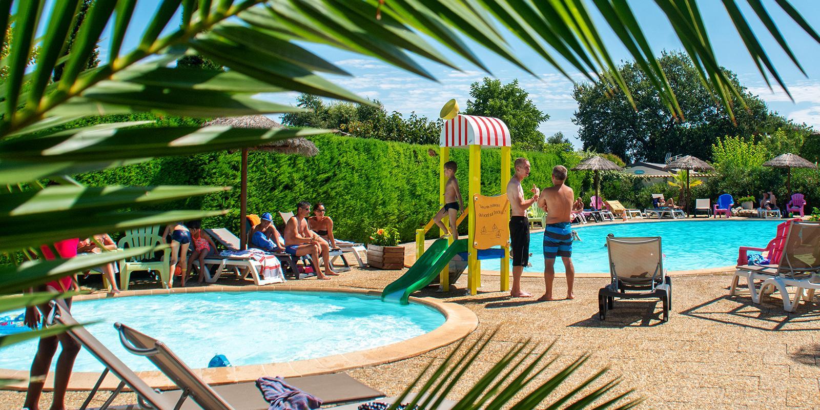 Camping 3 Étoiles À Six Fours Dans Le Var - Camping Orly D' Azur destiné Camping Bandol Avec Piscine