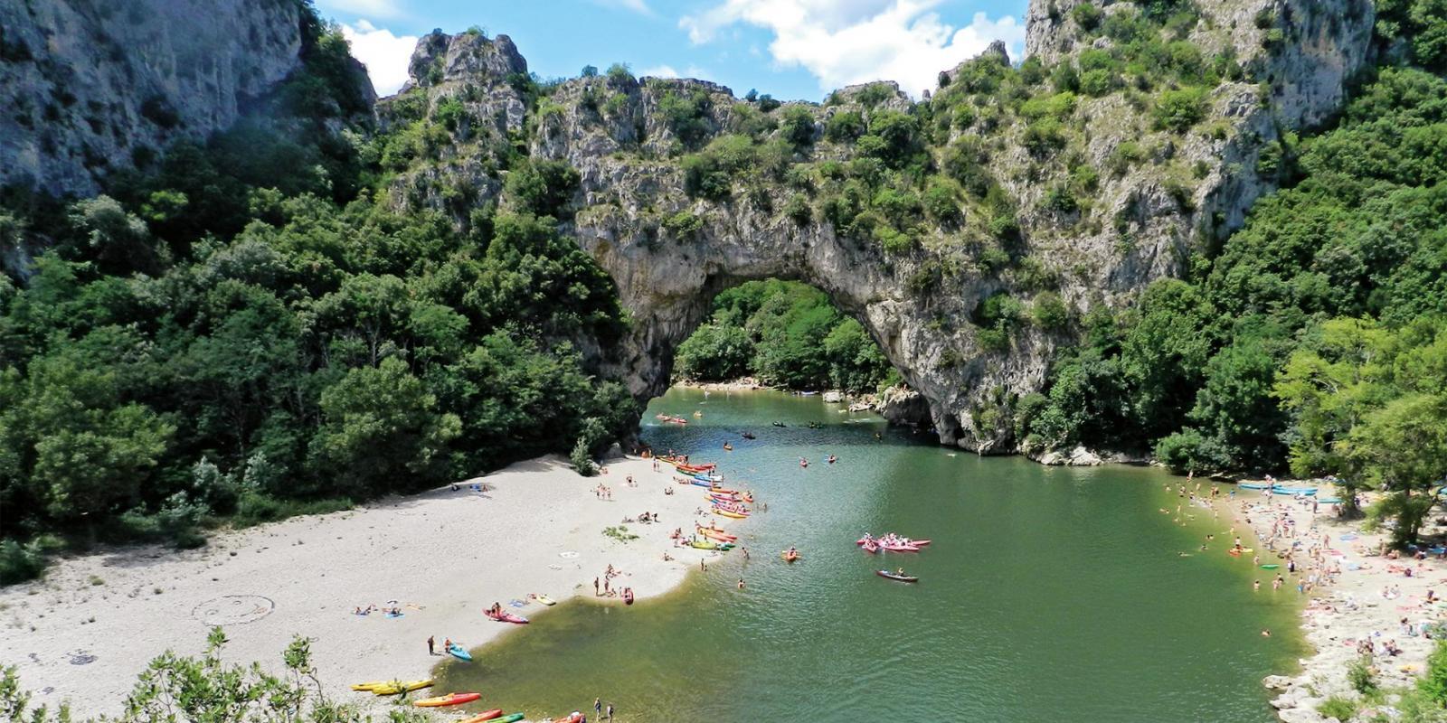Camping 3 Étoiles Bel Air En Ardèche destiné Camping En Ardèche Avec Piscine