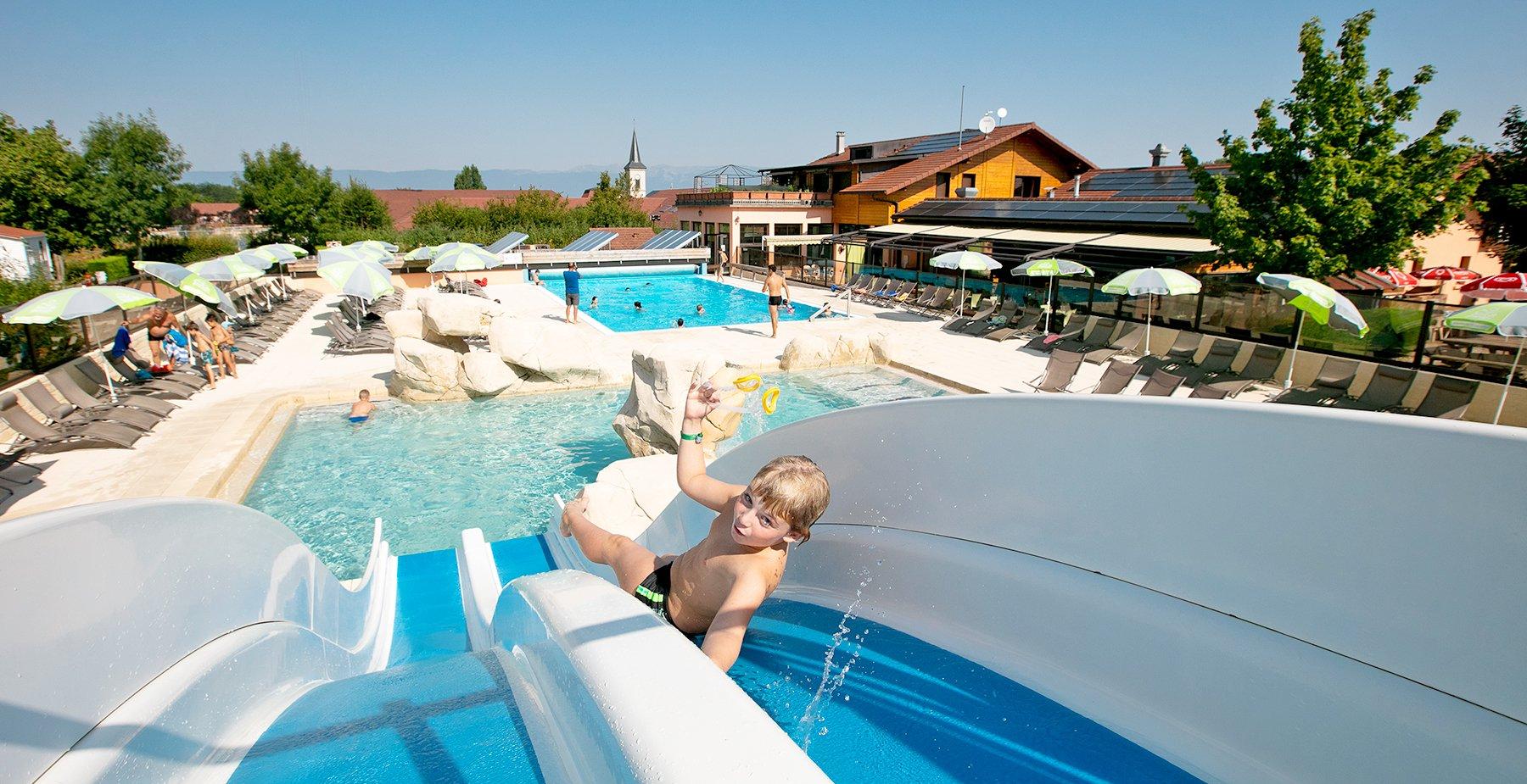 Camping 4 Étoiles Et Résidence De Vacances En Haute-Savoie à Camping A La Ferme Avec Piscine
