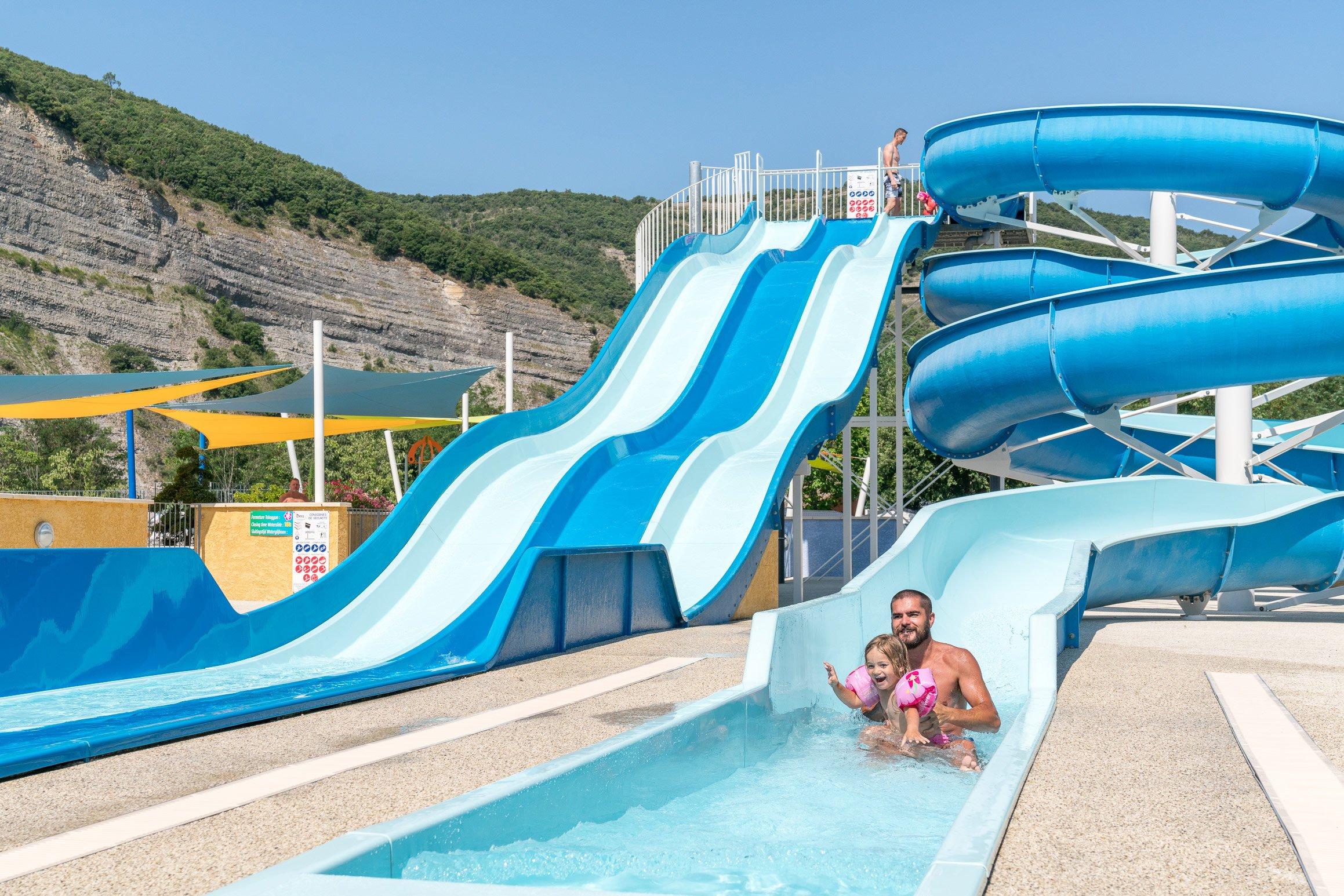 Camping Ardèche Parc Aquatique | La Plage Fleurie | 5 ... serapportantà Camping En Ardèche Avec Piscine
