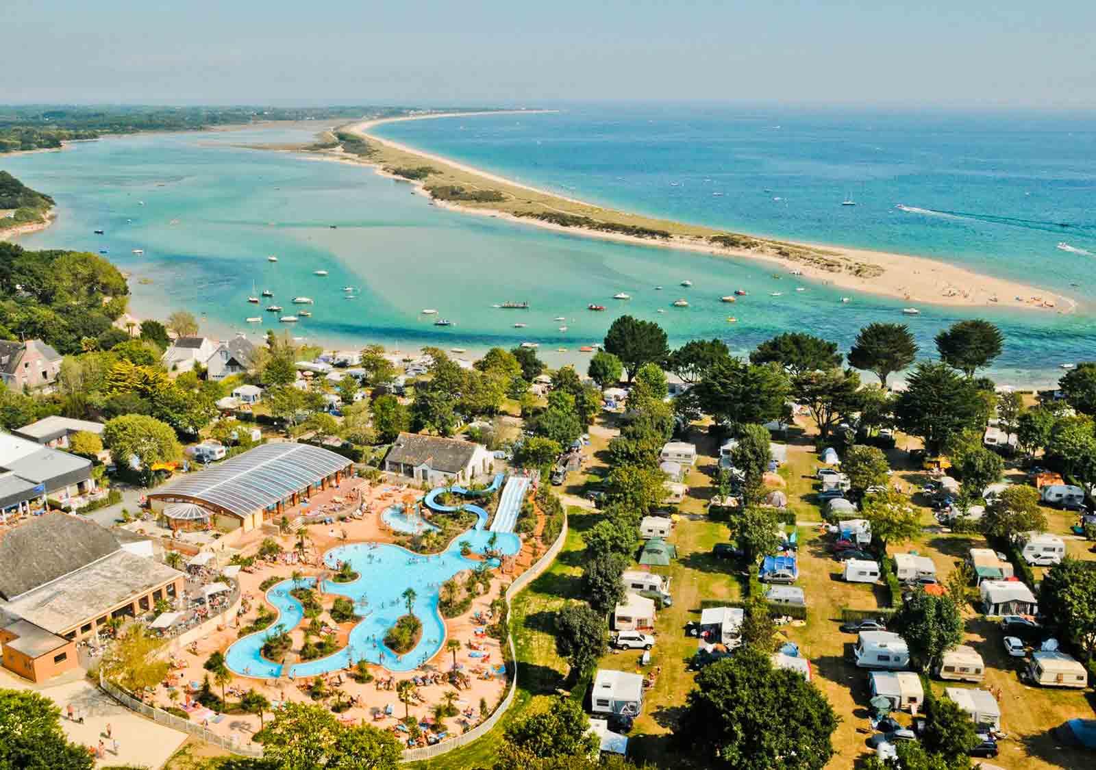 Camping Avec Parc Aquatique, Bassin, Espace, Toboggan ... pour Camping Bord De Mer Mediterranee Avec Piscine