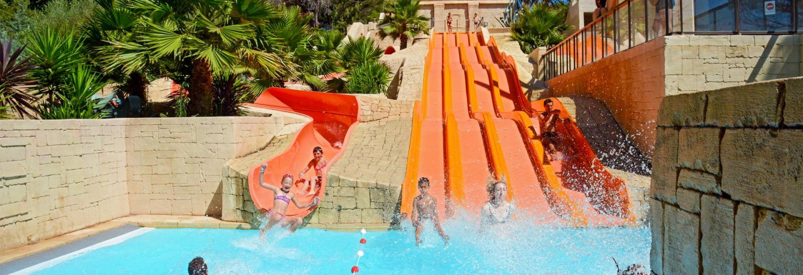 Camping Avec Parc Aquatique Var, Sud De La France : Piscines ... dedans Camping Bord De Mer Mediterranee Avec Piscine