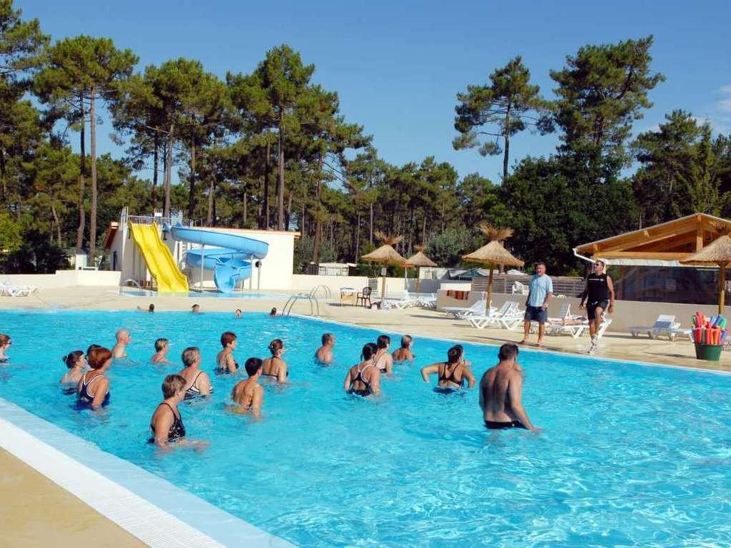 Camping Club D'arcachon - Arcachon > Mobil Homes Disponibles. intérieur Camping Arcachon Piscine