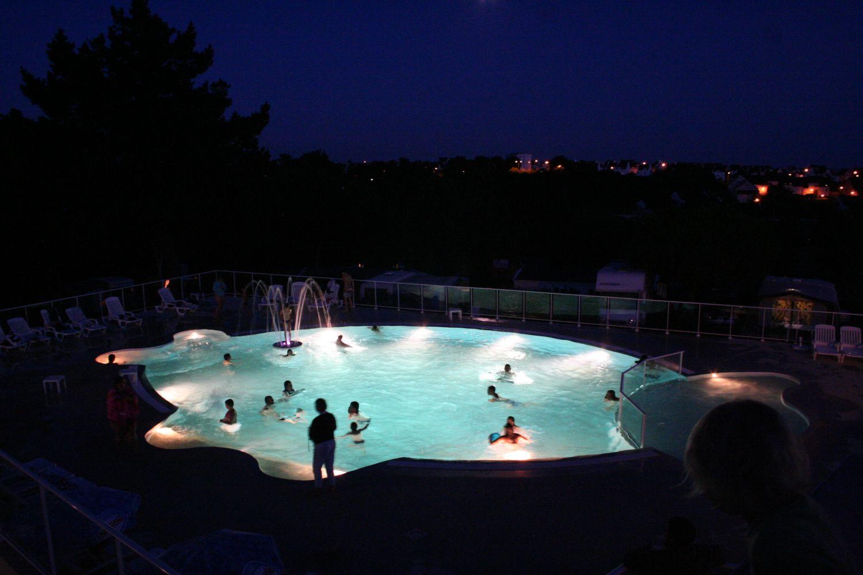 Camping Concarneau Piscine Nocturne - ᐃ Les Sables Blancs ... serapportantà Piscine Concarneau Horaires