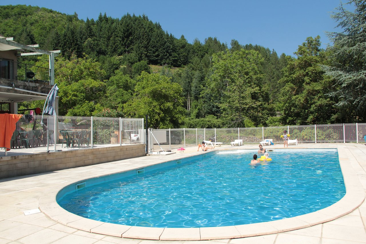 Camping De L'aiguebelle - Prices & Campground Reviews ... serapportantà Camping Lozère Avec Piscine