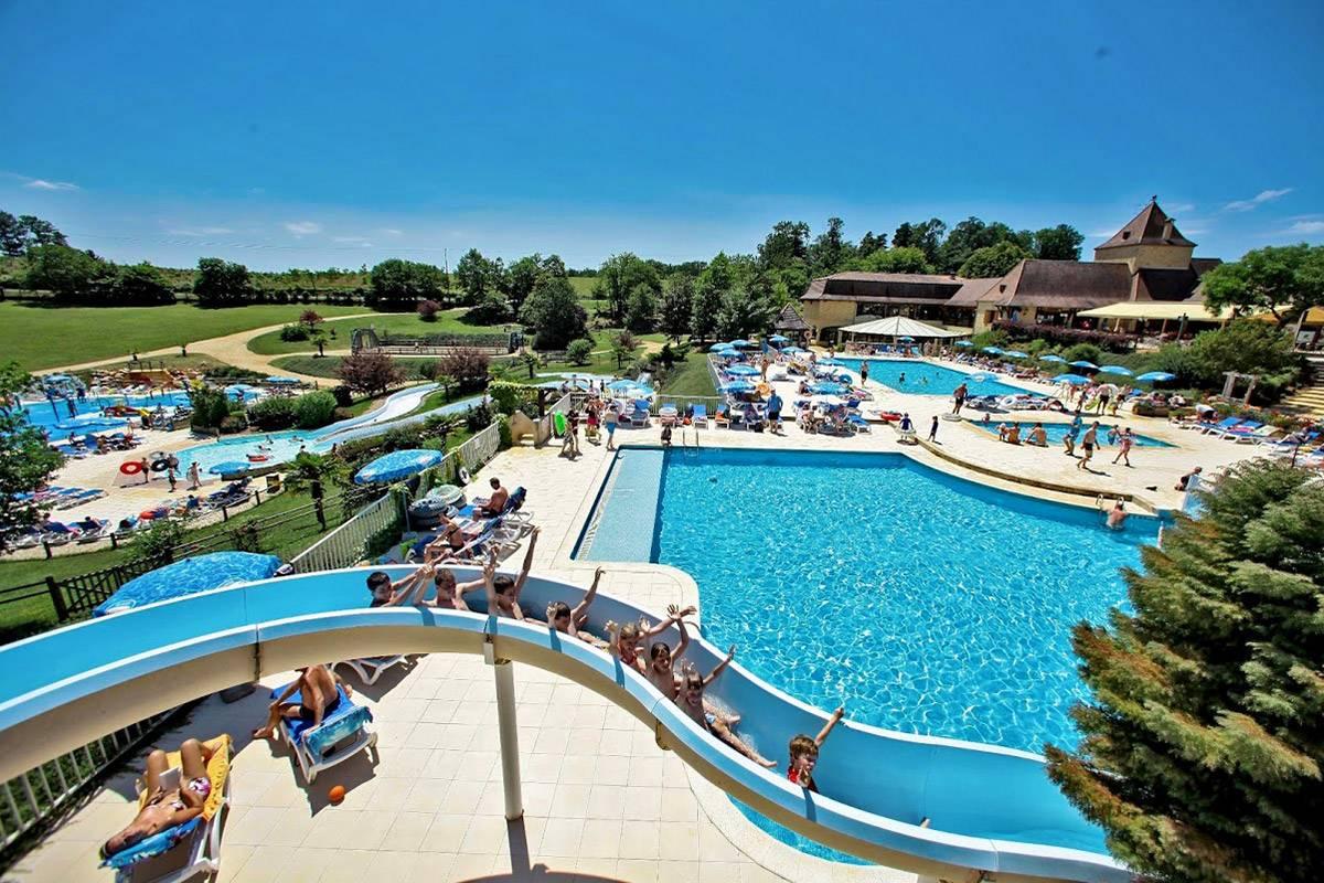 Camping Dordogne Avec Parc Aquatique 5 Étoiles | Saint Avit ... destiné Camping Dordogne Avec Piscine Et Toboggan