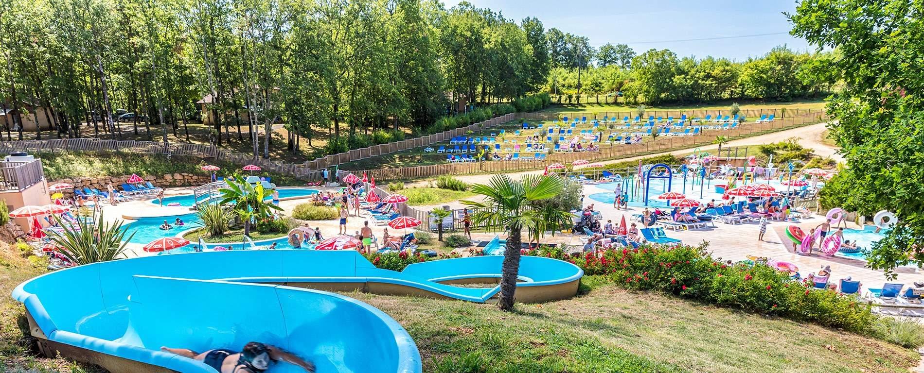 Camping Dordogne Avec Parc Aquatique 5 Étoiles | Saint Avit ... tout Camping Dordogne Avec Piscine Et Toboggan