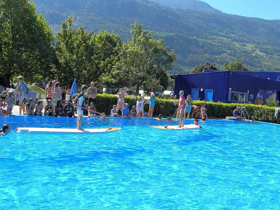 Camping Du Botza, Vétroz - Tarifs 2020 - Pitchup® encequiconcerne Camping Lac Léman Avec Piscine