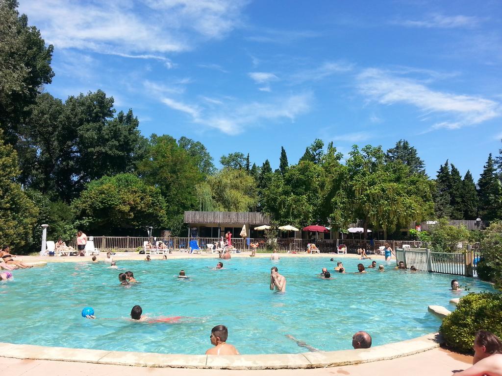 Camping Du Pont D'avignon, France - Booking serapportantà Camping Lubéron Avec Piscine