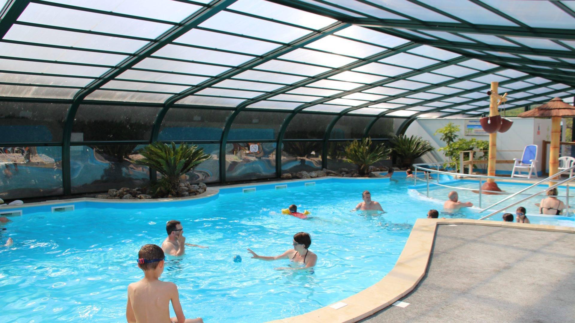 Camping En Vendée Avec Piscine Couverte - Lac Du Jaunay intérieur Camping Vendée Avec Piscine Couverte