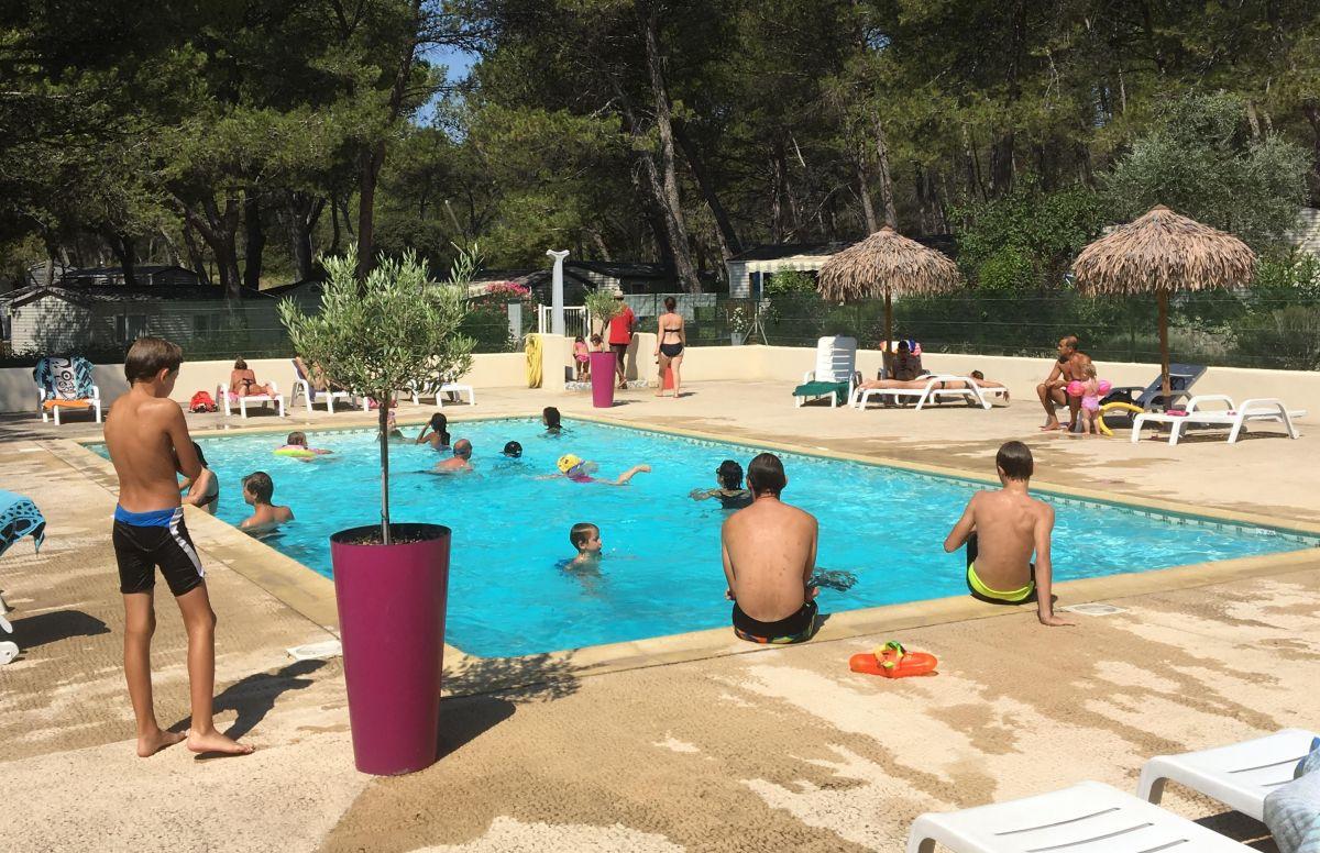 Camping Familial Avec Piscine Lambesc Aix-En-Provence ... dedans Camping Lubéron Avec Piscine