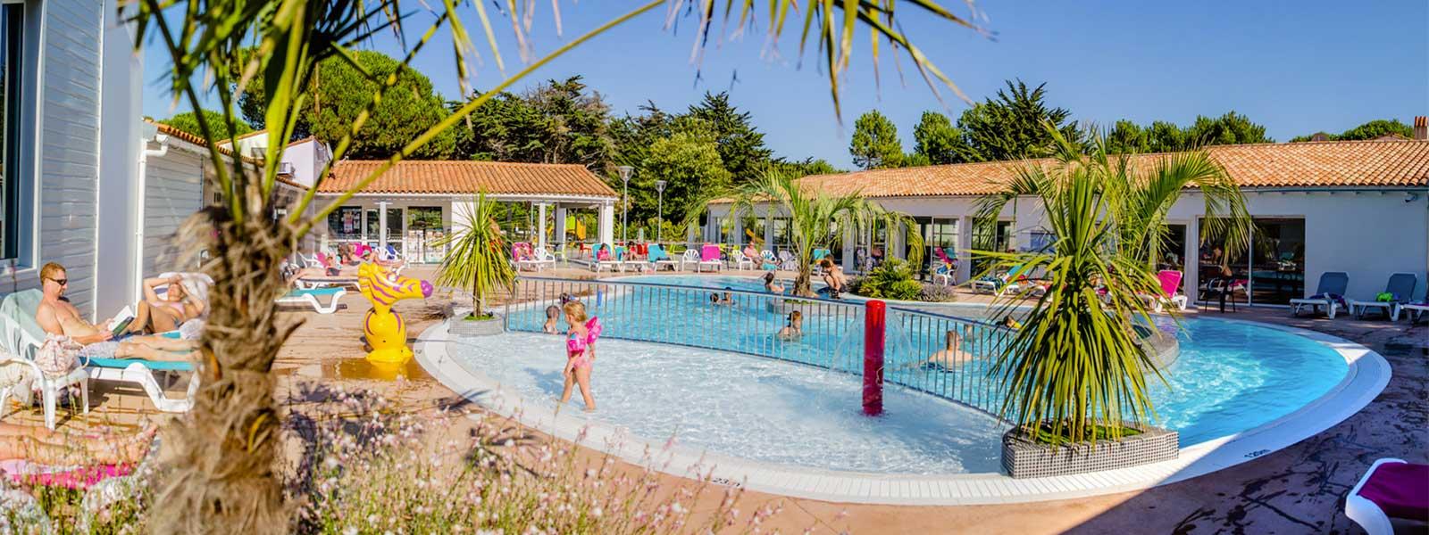 Camping Ile De Ré | Bois Plage | Les Varennes | Charente ... tout Camping Ile De Ré Piscine Couverte