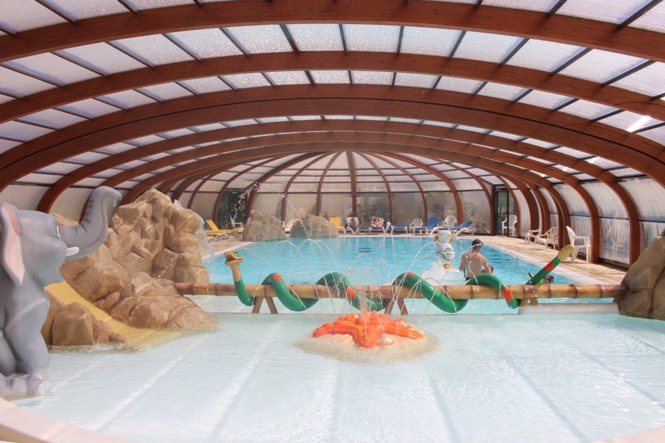 Camping Ile De Ré Espace Aquatique - ᐃ La Grainetiere ... dedans Camping La Rochelle Avec Piscine