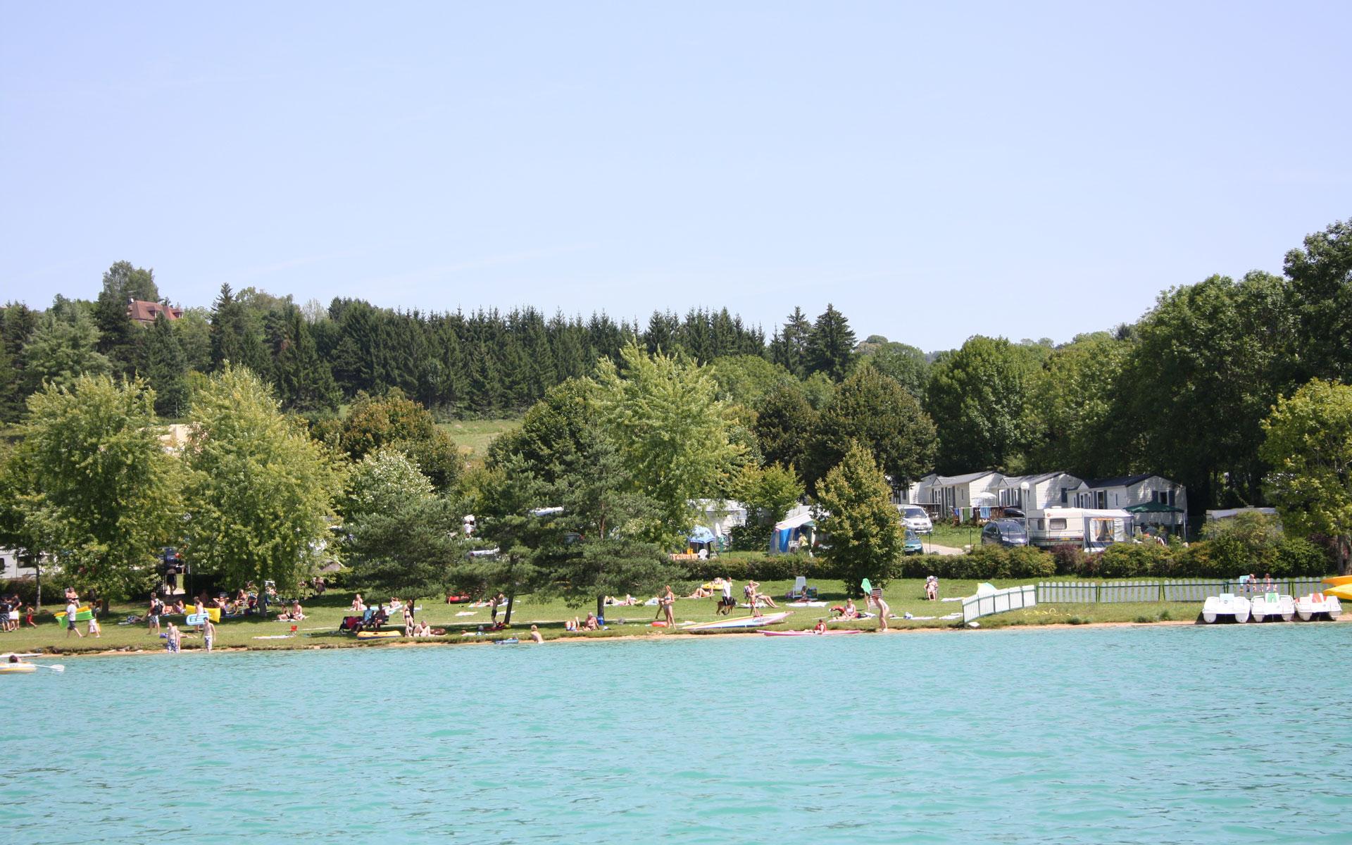 Camping Jura Avec Piscine | 3 Étoiles | Lac De Clairvaux ... serapportantà Camping Jura Piscine