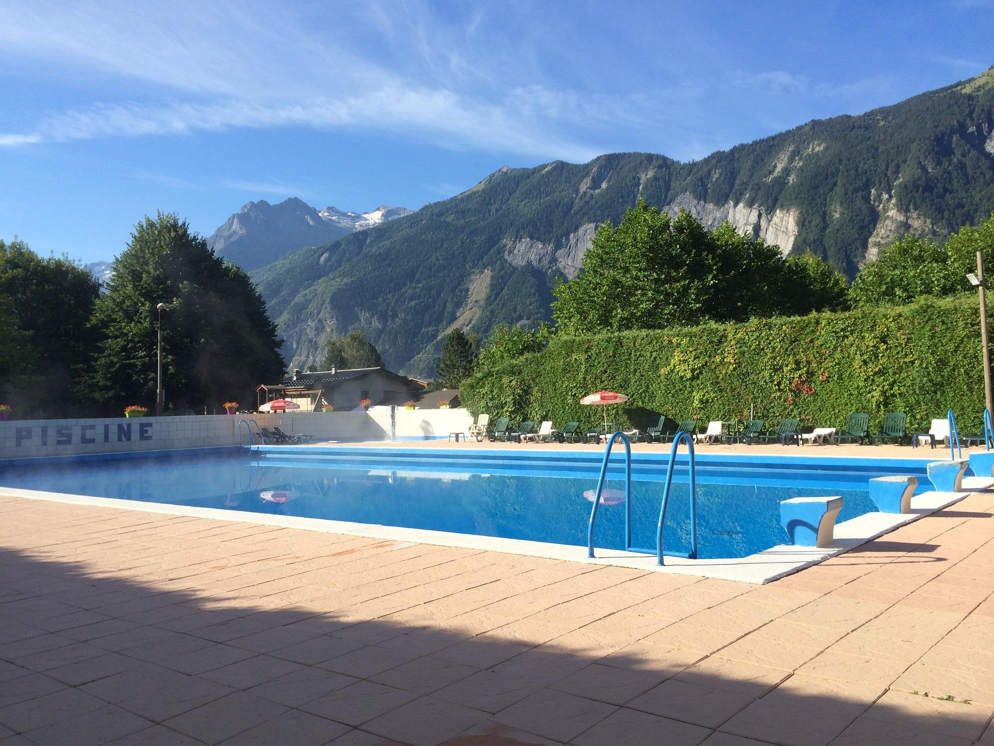 Camping La Piscine - France | Camping In Bourg D'oisans ... destiné Piscine Les Abrets