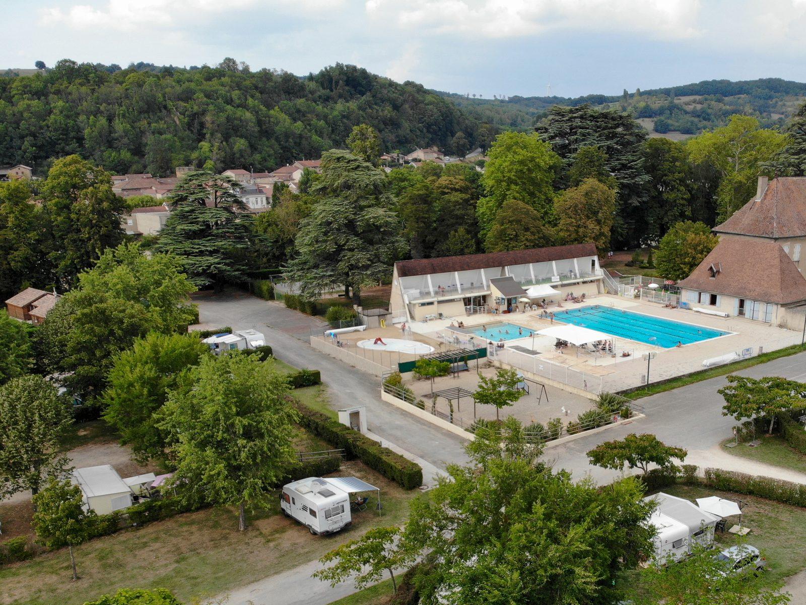 Camping Le Château - Vos Vacances Dans La Drôme Des Collines avec Camping Auvergne Piscine