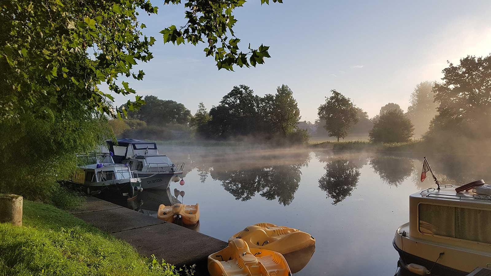 Camping Le Long Du Canal De Nantes À Brest Entre Malestroit ... concernant Piscine Malestroit