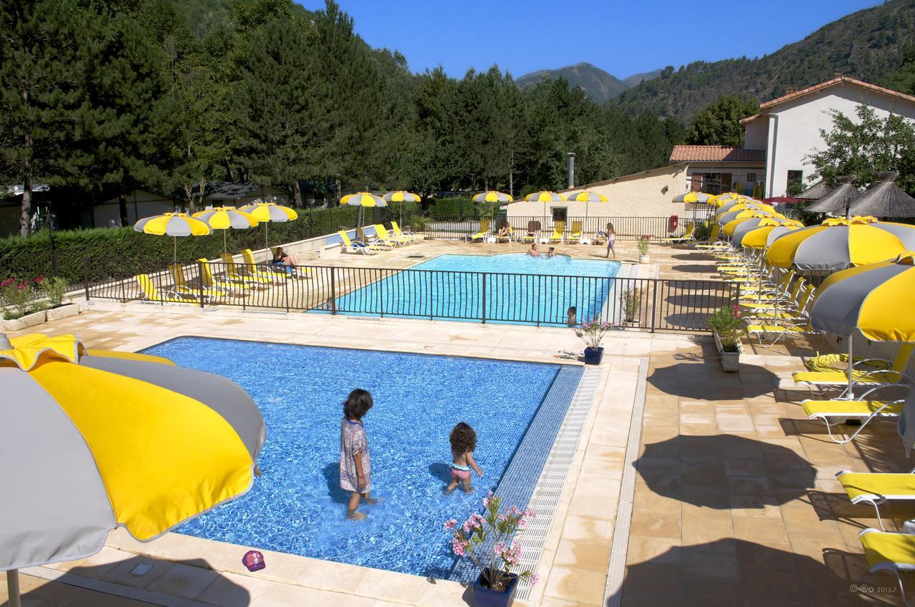 Camping Les Eaux Chaudes, Digne-Les-Bains, France - Booking tout Piscine Digne Les Bains