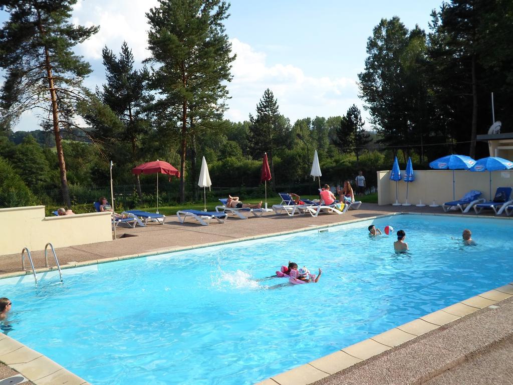 Camping Les Pinasses, La Chapelle, France - Booking avec Camping Var Avec Piscine