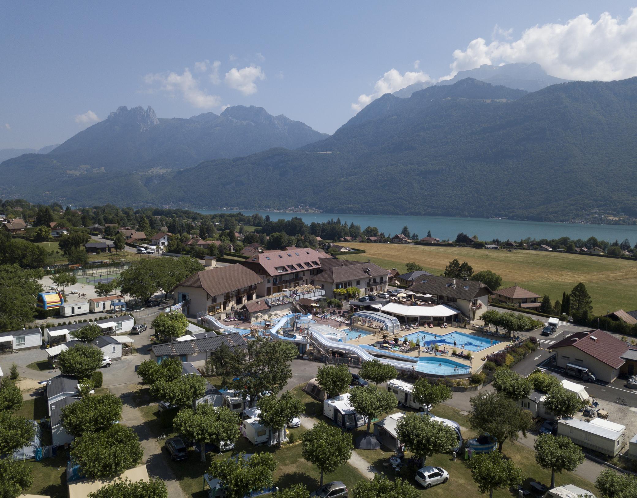 Camping L'idéal - Savoie Mont Blanc (Savoie Et Haute Savoie ... encequiconcerne Camping Annecy Avec Piscine