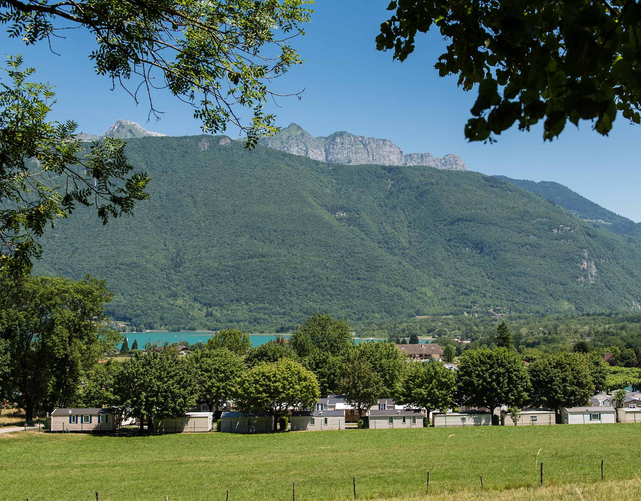 Camping L'idéal - Savoie Mont Blanc (Savoie Et Haute Savoie ... pour Camping Lac Léman Avec Piscine