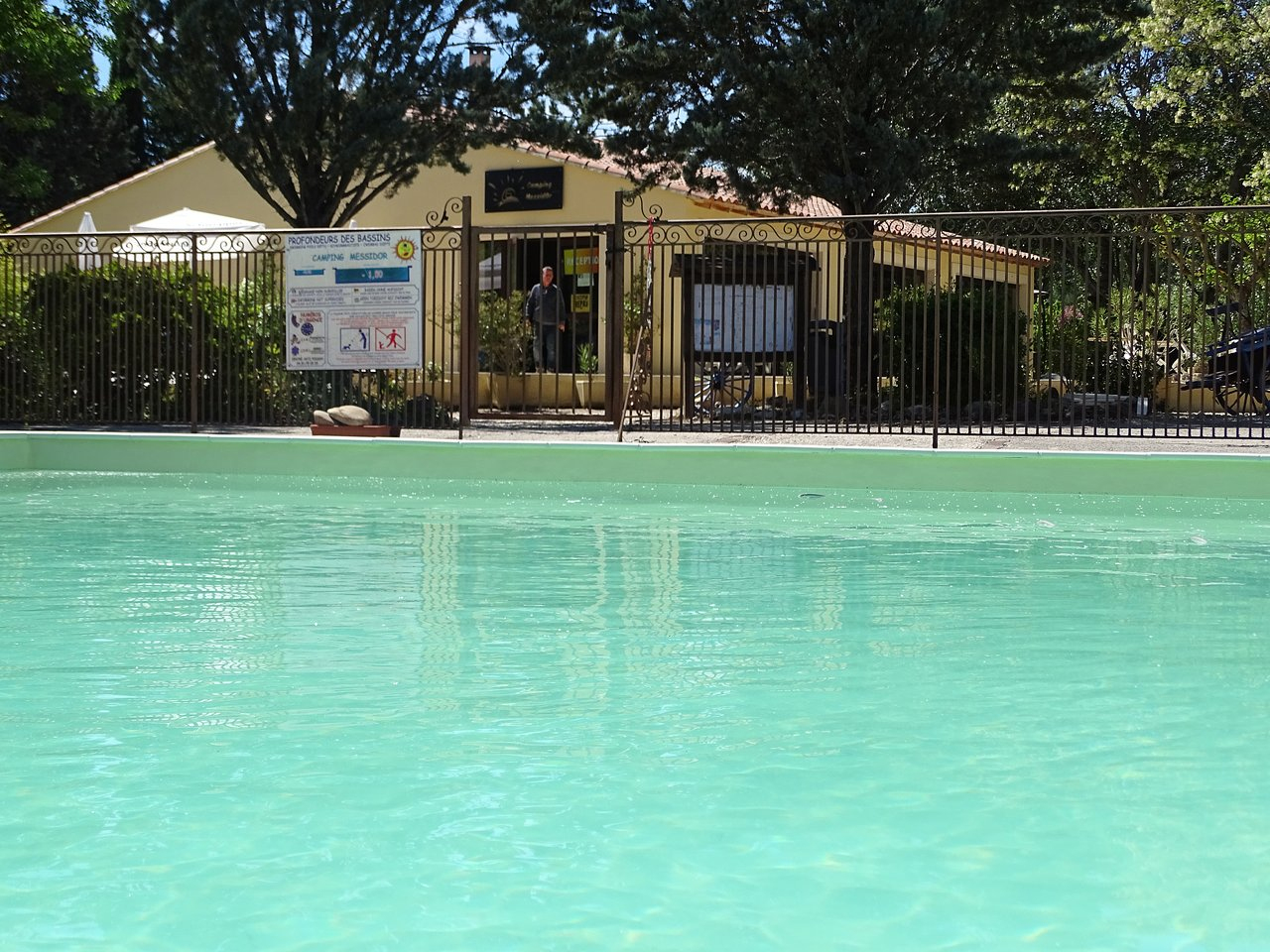 Camping Naturiste Messidor - Campground Reviews (Le Puy ... pour Piscine Puy Sainte Reparade