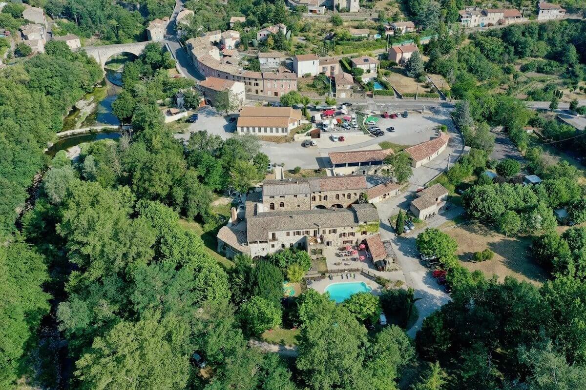 Camping Privas En Ardèche | Le Moulin D'onclairecamping Ardeche serapportantà Camping Auvergne Piscine