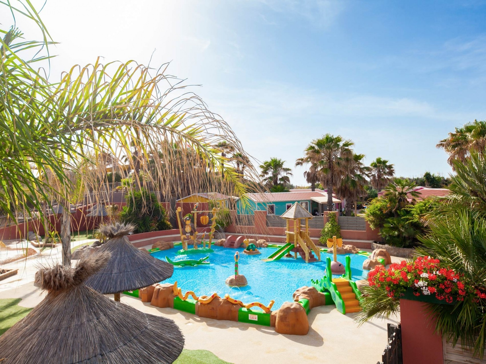 Camping Swimming Pool Sérignan Plage, Languedoc-Roussillon encequiconcerne Aloha Piscine