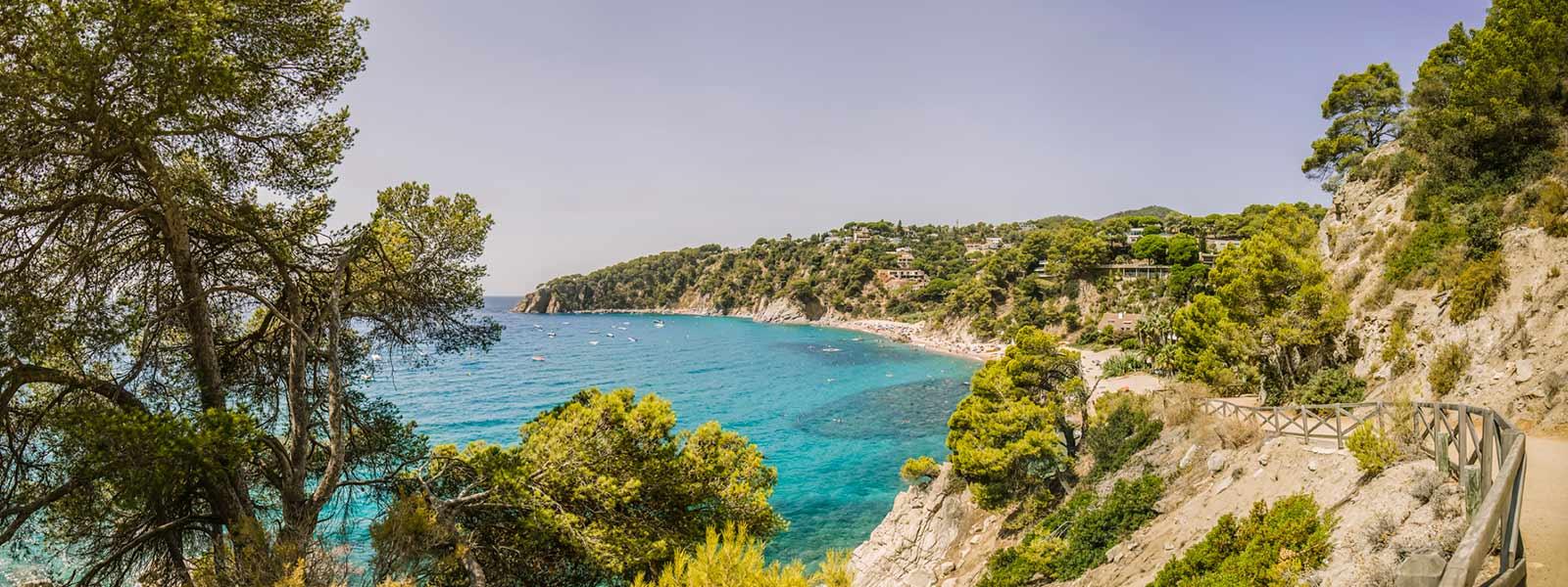 Camping Tossa De Mar En Espagne Sur La Costa Brava | Camping ... intérieur Camping Bord De Mer Mediterranee Avec Piscine