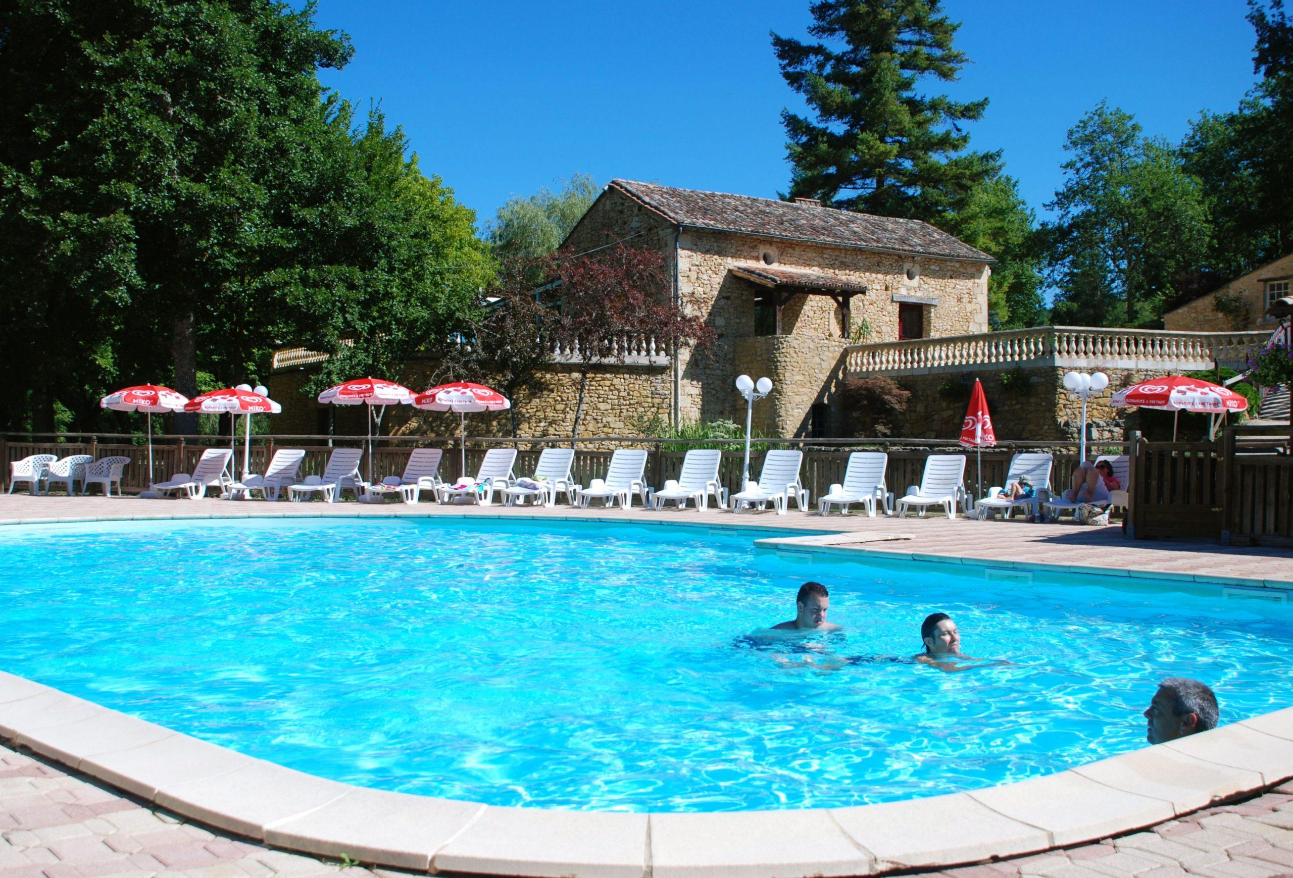Campsite Dordogne With Aqua Park | Campsite Le Moulin De Surier destiné Location Dordogne Piscine