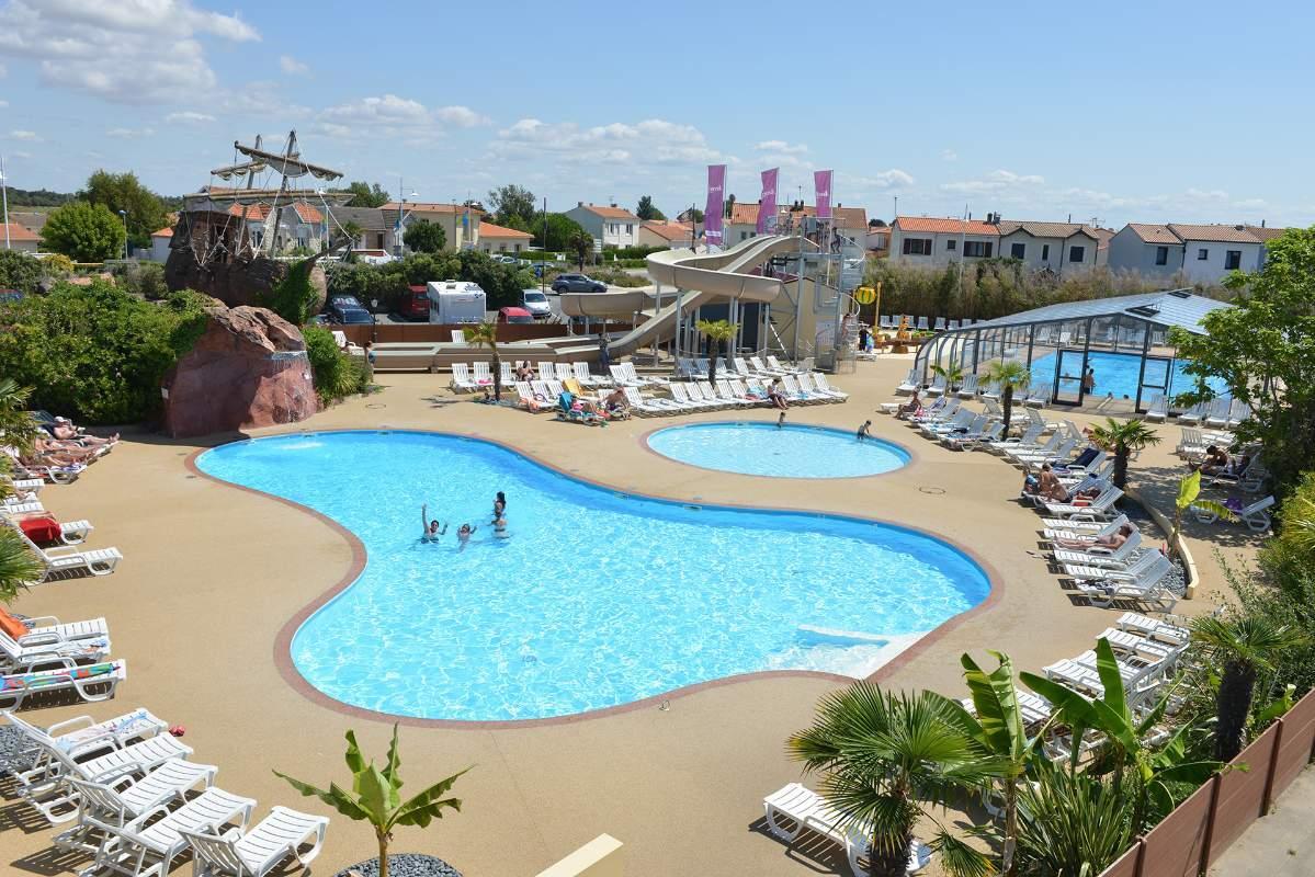 Campsite France La Rochelle Swimming Pools - Chatelaillon Plage pour Piscine Chatelaillon