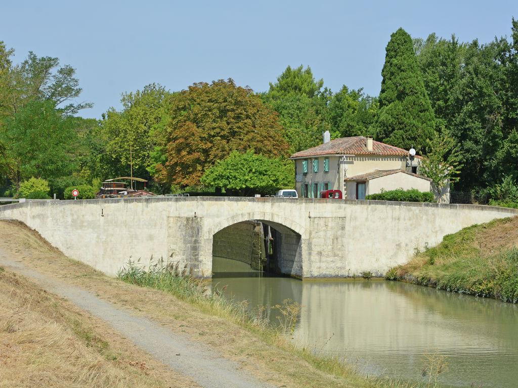 Canal Du Midi, Aude Inner Land encequiconcerne Piscine Grazailles