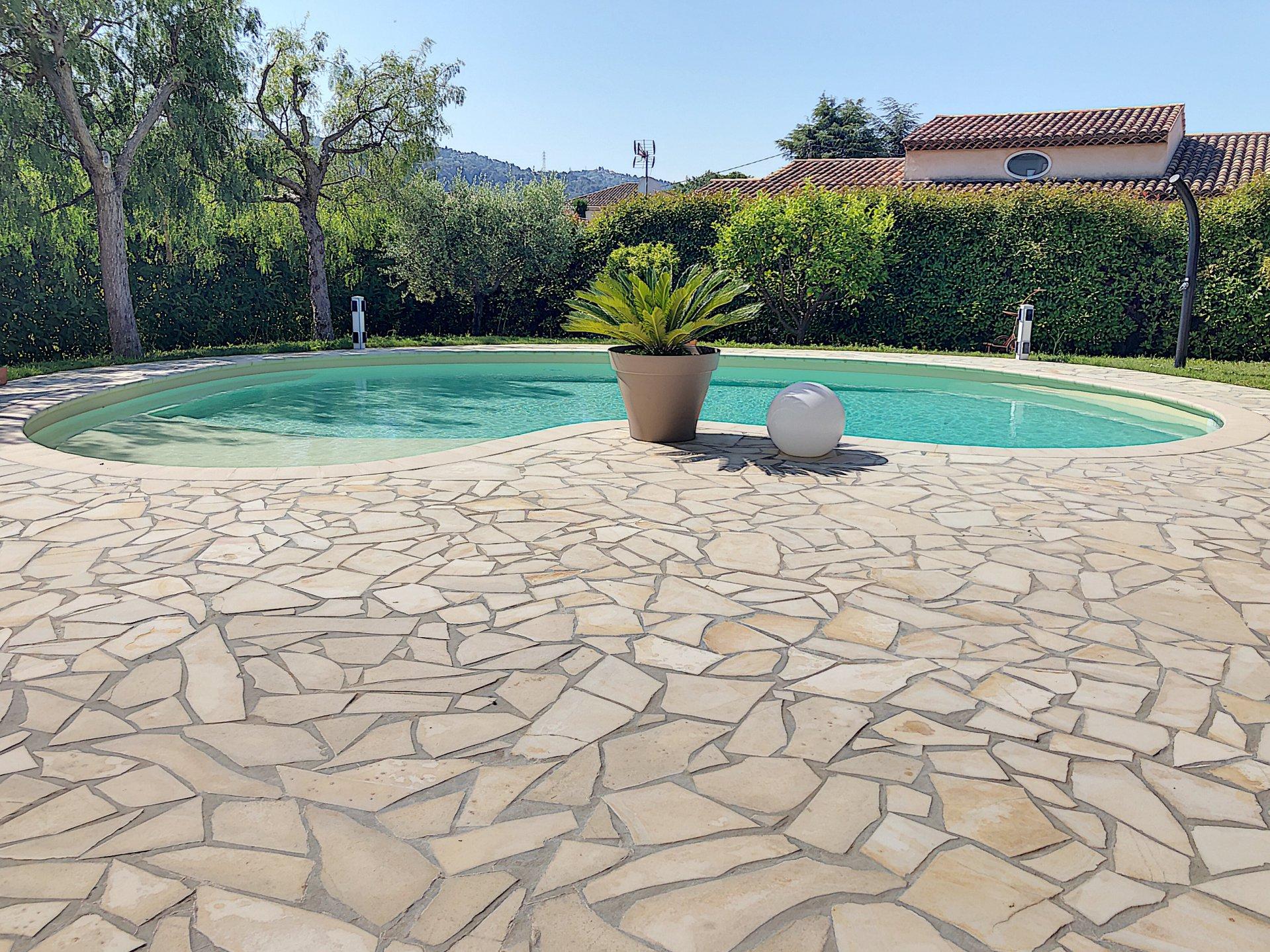 Carros Les Plans (06510) - Villa Individuelle - Piscine pour Piscine Carros