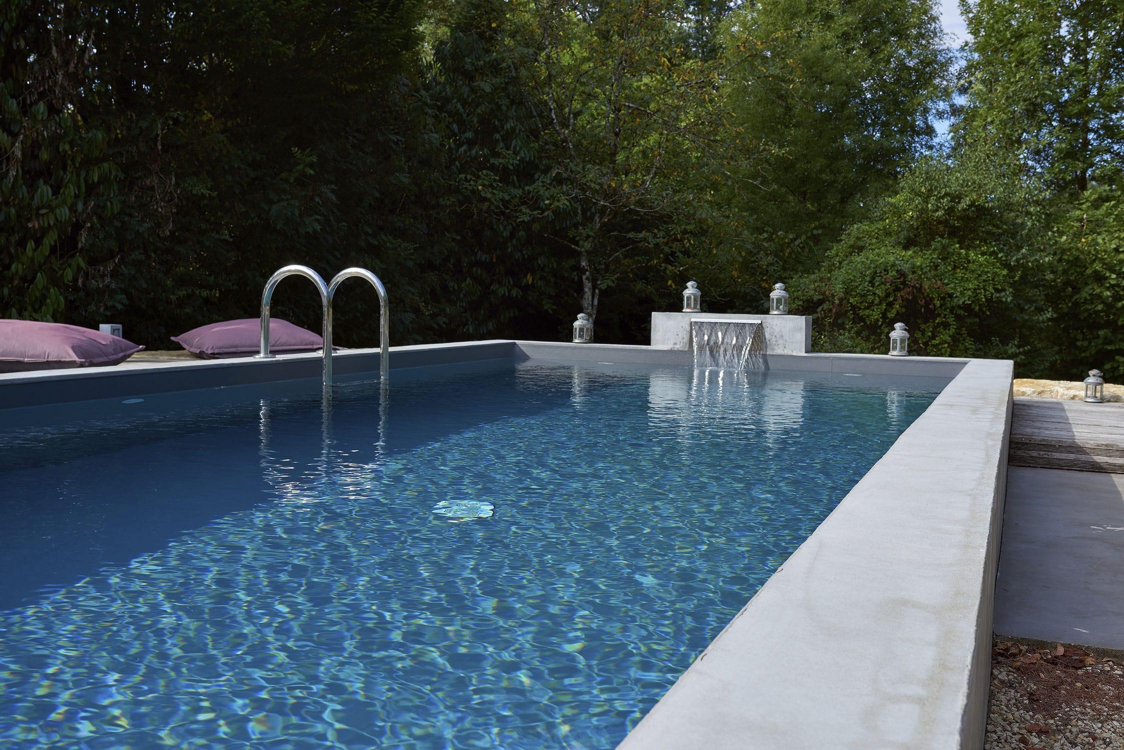 Cascade Pour Piscine - Lame D'eau Poitiers - Piscines Carre Bleu avec Cascade Pour Piscine