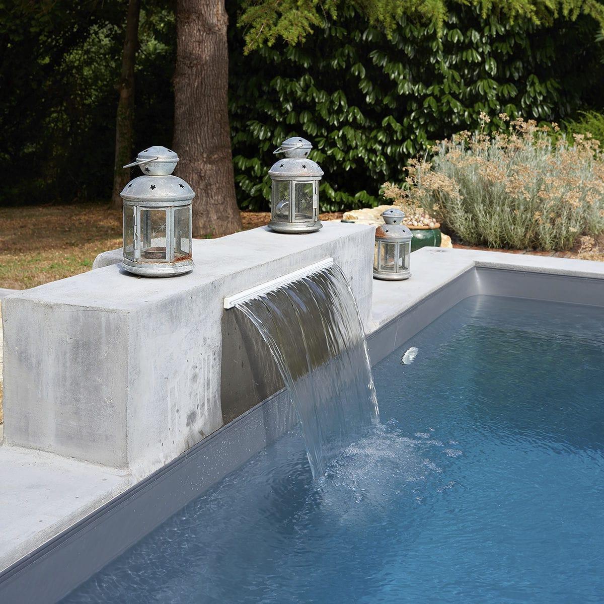 Cascade Pour Piscine - Lame D'eau Poitiers - Piscines Carre Bleu serapportantà Cascade Pour Piscine