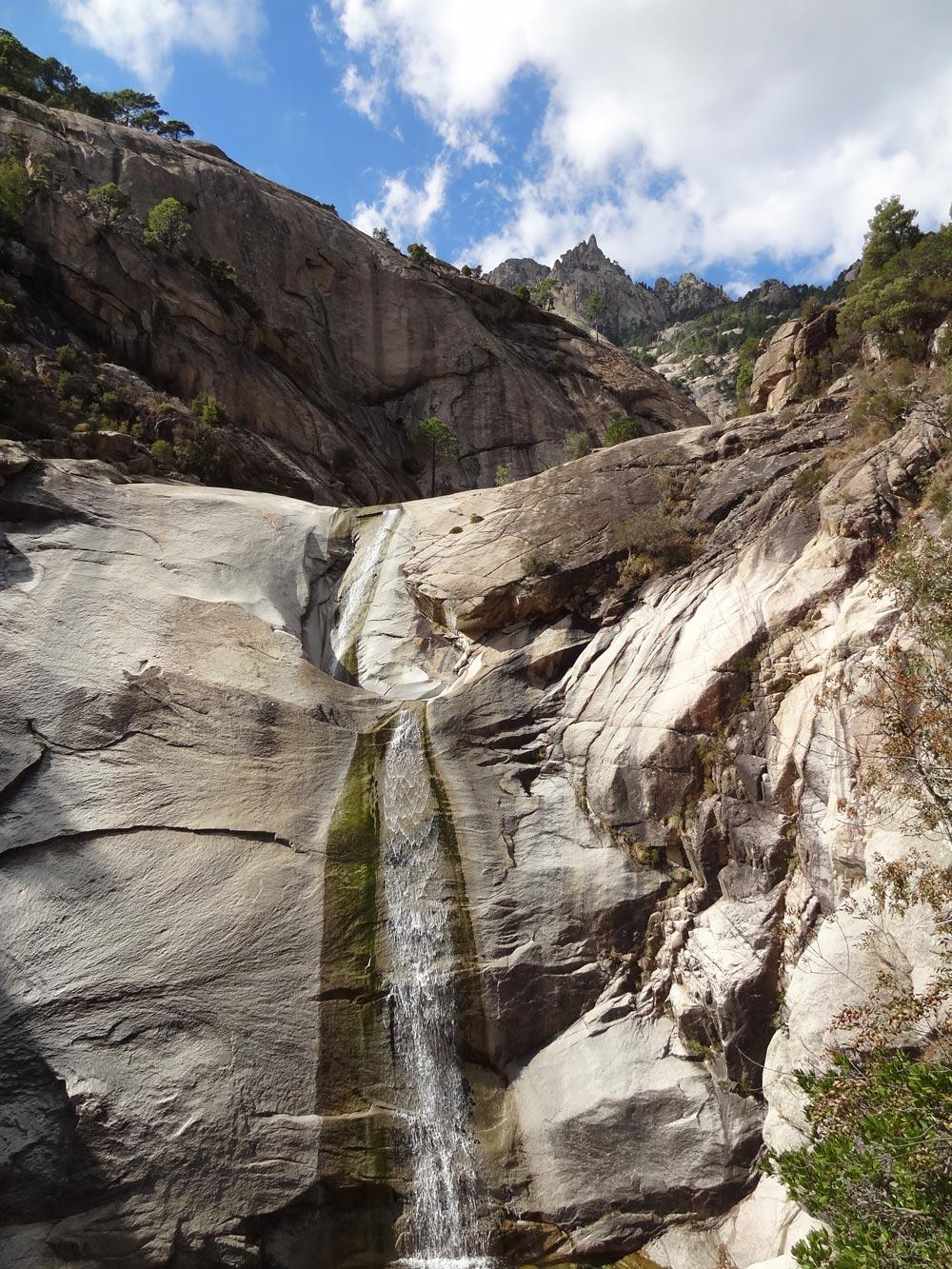 Cascades De Bavella En Corse • Le Blog Cash Pistache encequiconcerne Piscine Naturelle D Eau Chaude Corse Du Sud