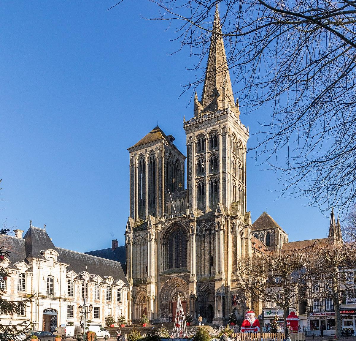 Cathédrale Saint-Pierre De Lisieux — Wikipédia dedans Piscine Lisieux
