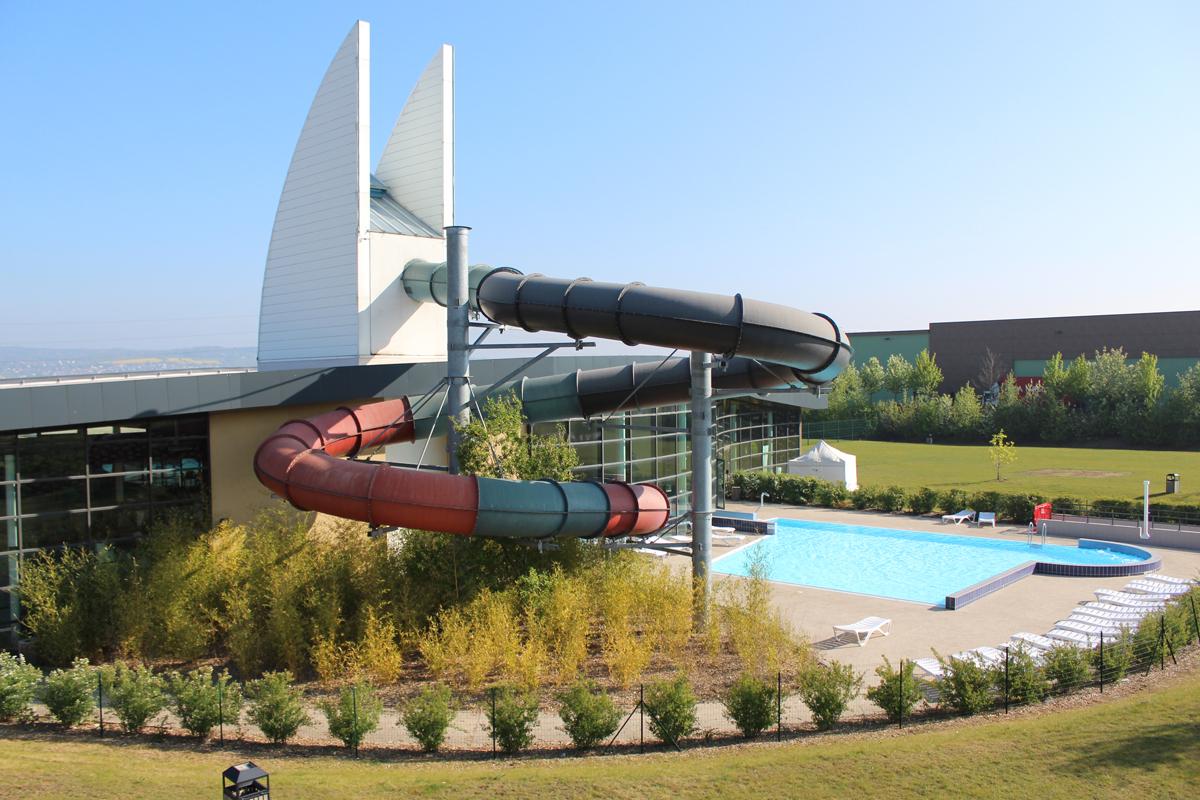 Centre Aqualudique « Les Bains De Seine-Mauldre ... avec Piscine Aubergenville