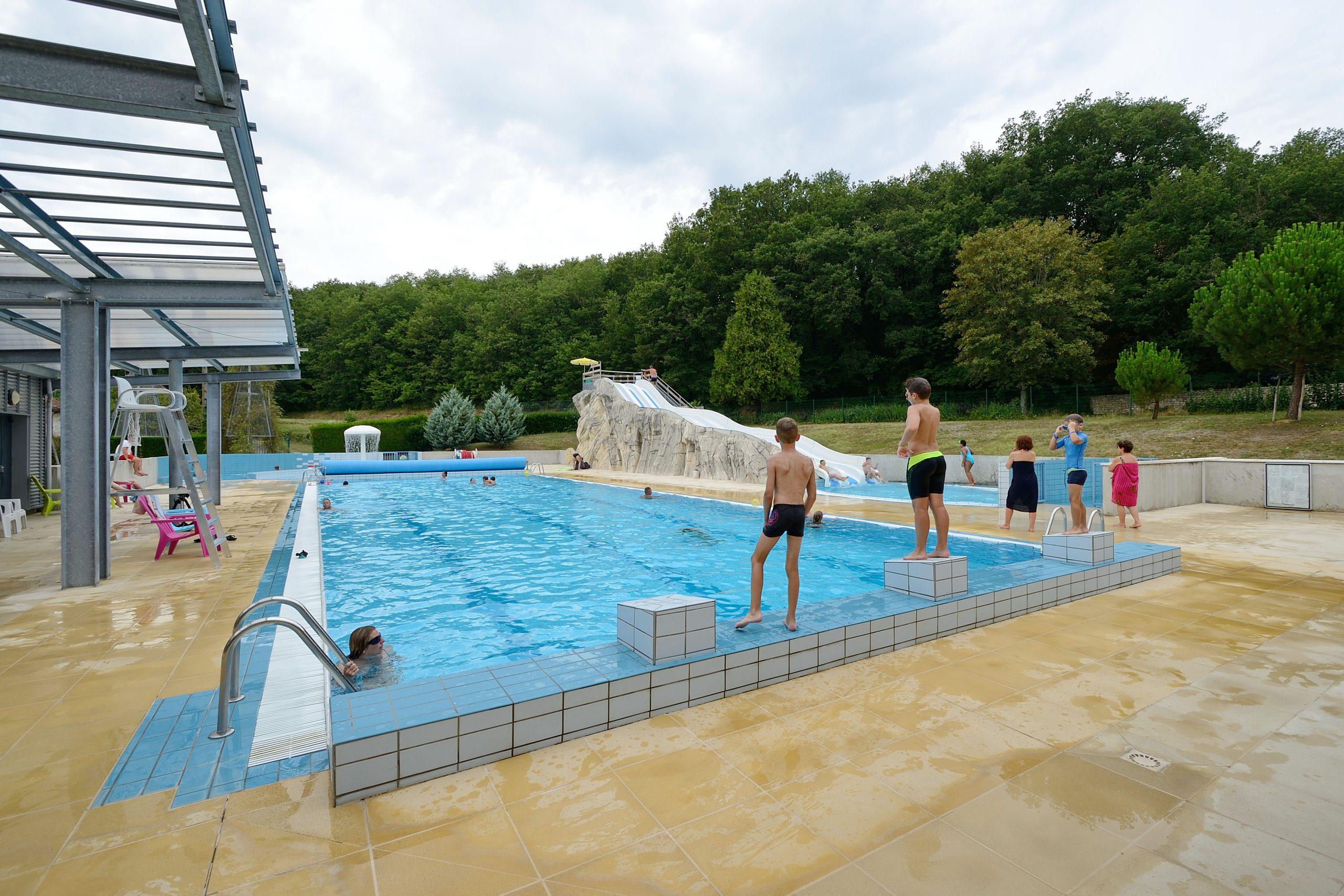 """Centre Aquatique De """"la Gassotte"""" - Saint-Savin (86 - Vienne) serapportantà Piscine Chauvigny"""