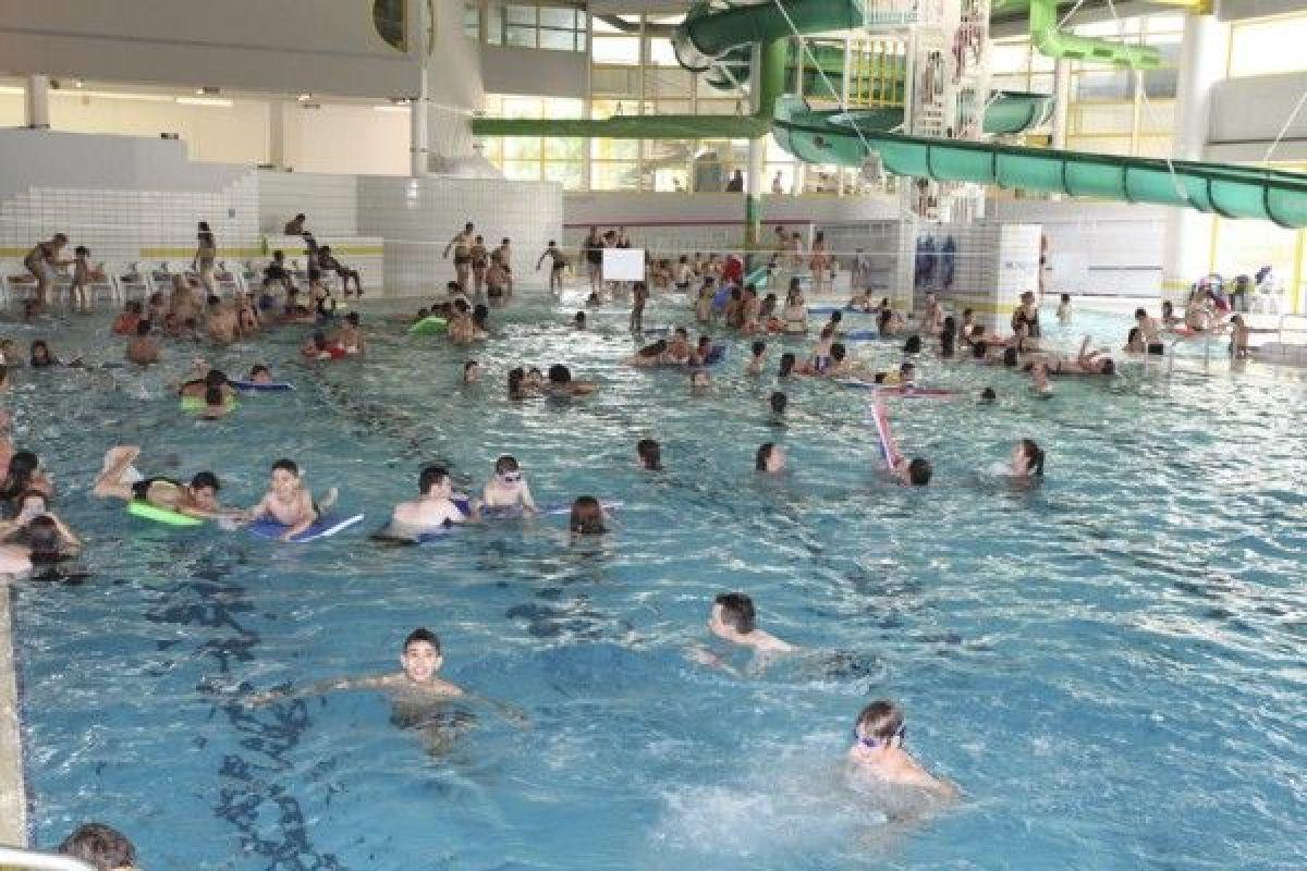 Centre Aquatique Des Corbolottes - Piscine De Saint Jean De ... dedans Piscine St Jean De La Ruelle