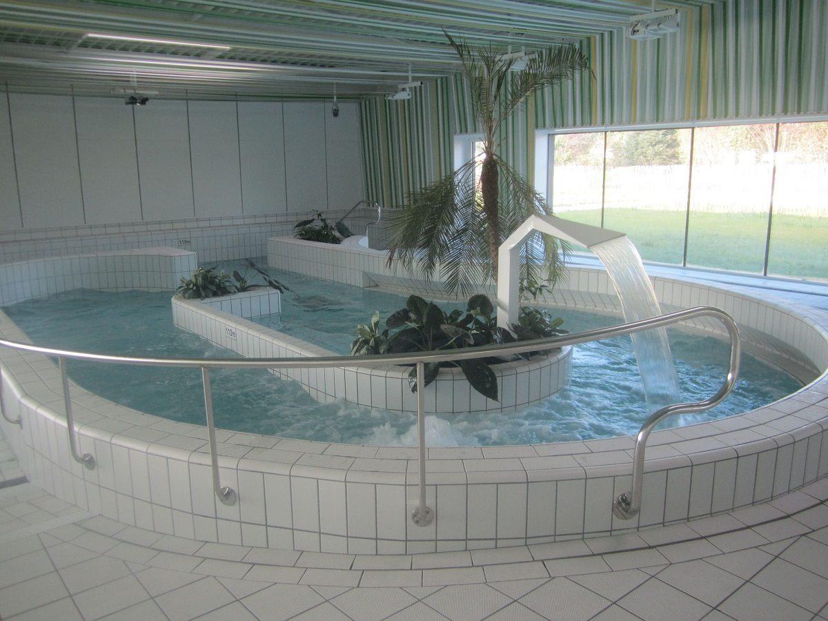 Centre Aquatique Les Ondines / Réf. 12020 - Cardinal Edifice concernant Piscine Janze