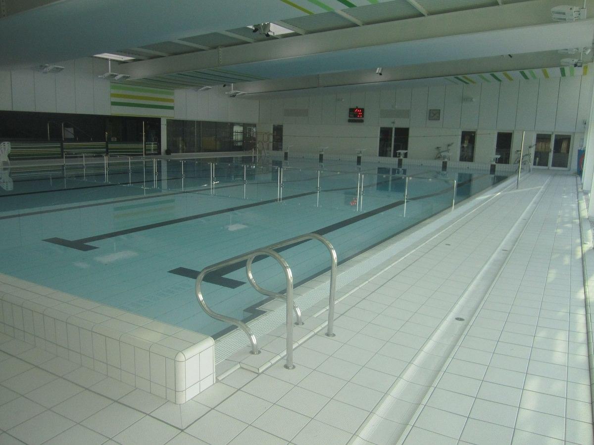 Centre Aquatique Les Ondines / Réf. 12020 - Cardinal Edifice tout Piscine Janze