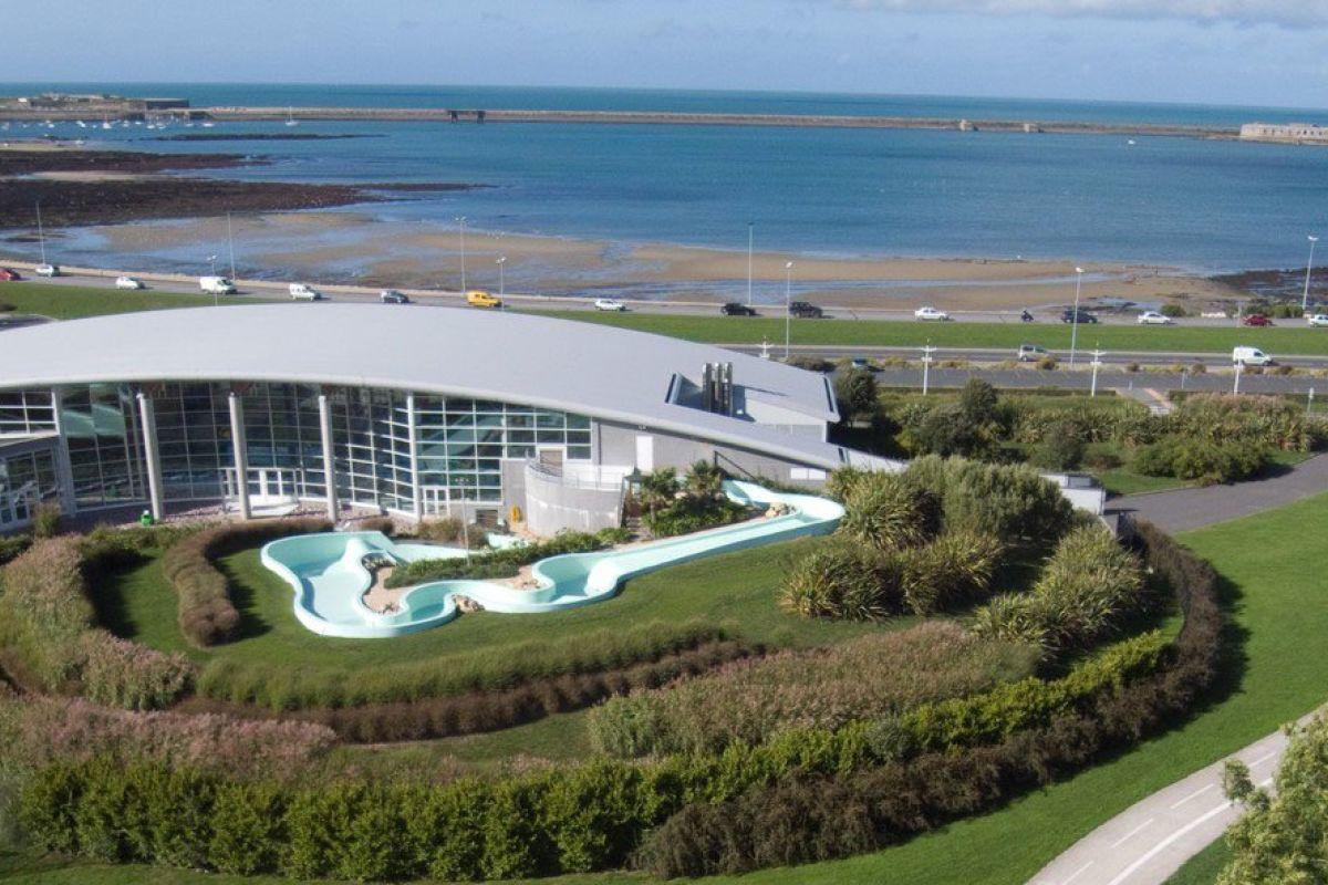 Centre Aquatique - Piscine À Equeurdreville-Hainneville ... destiné Piscine De Beaumont Hague