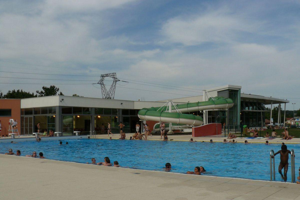 Centre Aquatique - Piscine De Delle - Horaires, Tarifs Et ... pour Piscine Montbeliard